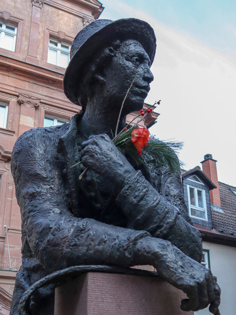 Miltenberg, Statue, Bronze, Bronzestatue, Denkmal, Josef Metin Kraus