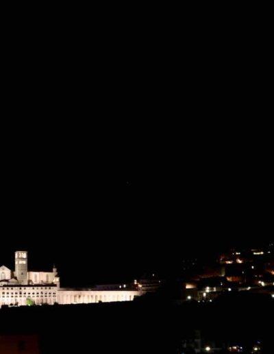Die Basilika di San Francesco in Assisi vom Stellplatz aus