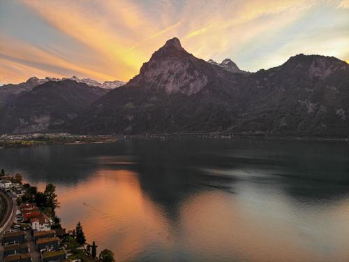 Sonnenuntergang am Urnersee