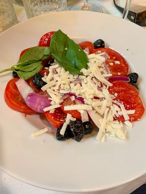 Italien, Sizilien Taormina, Il Ciclope, Trattoria, Caprese, Salat, Tomaten, Mozzarella, Oliven